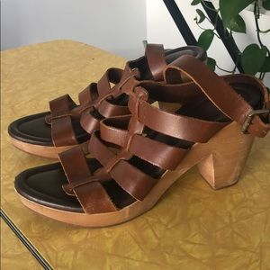 Size 9 madewell Wooden heel leather sandals